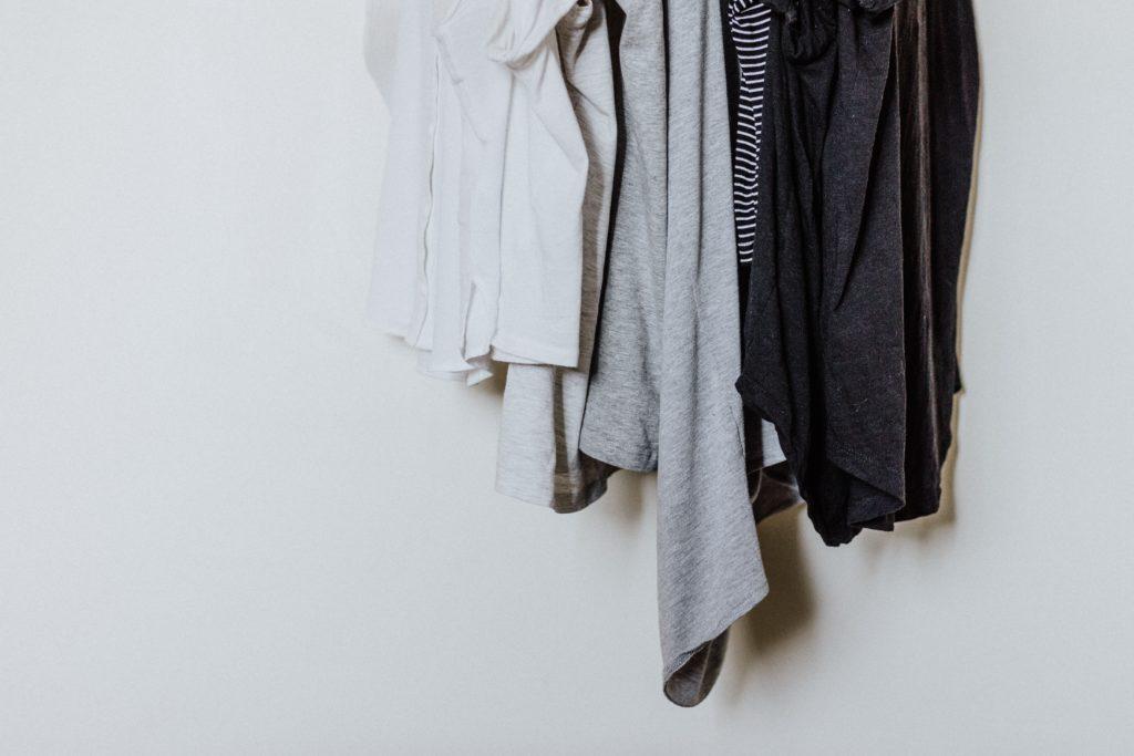 Recyclage des vêtements : Que faire de ses vêtements usagés ?
