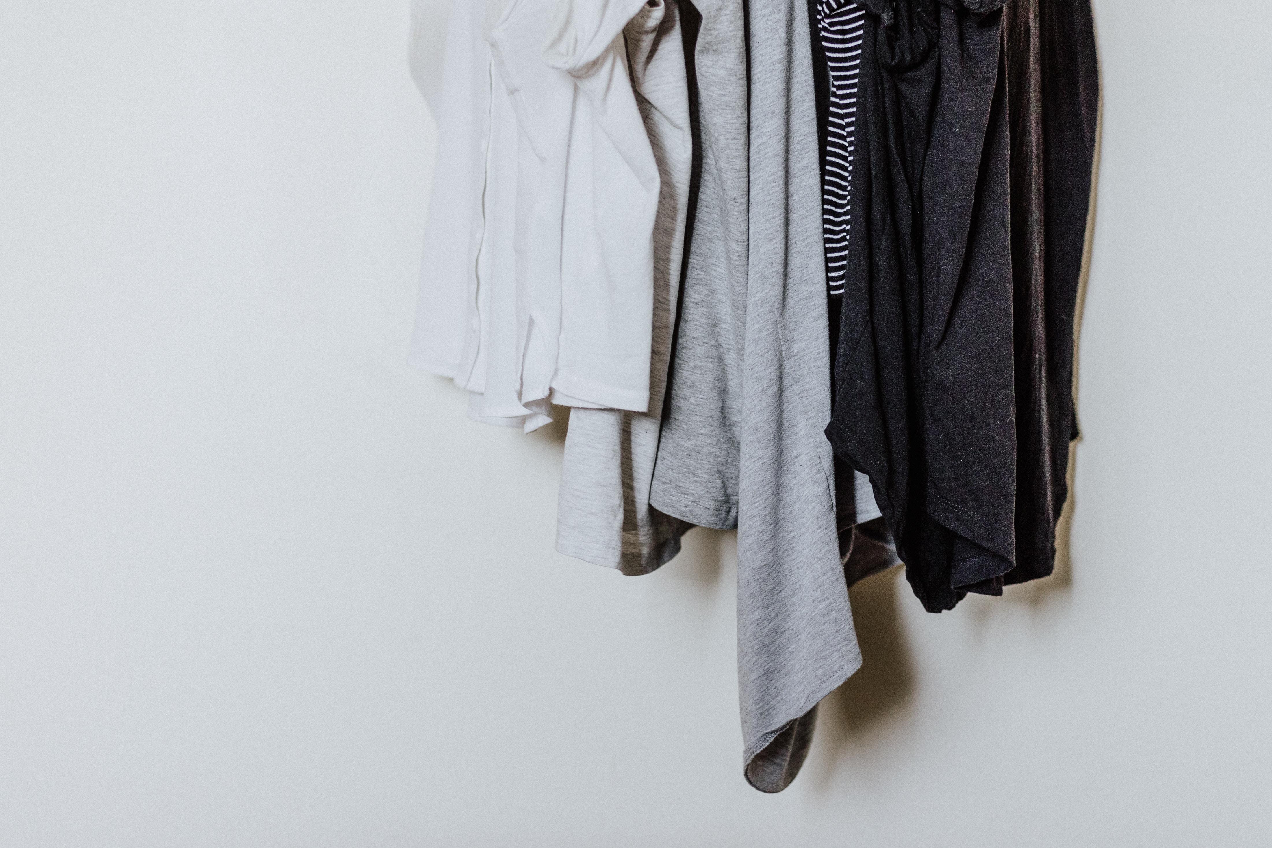 Don, revente, recyclage : que faire de ses vêtements usagés ?