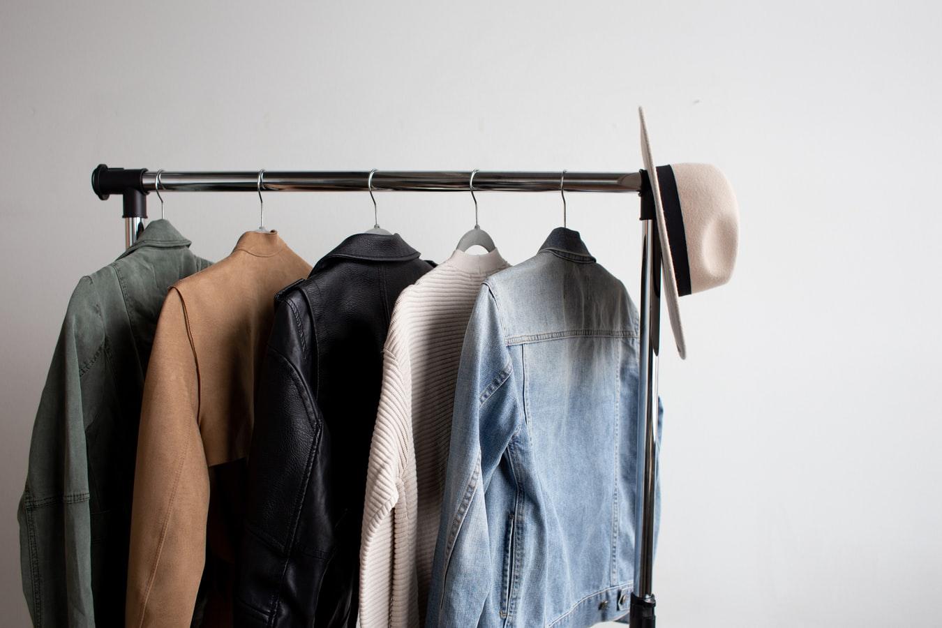 Créer une capsule Wardrobe pour un dressing minimaliste