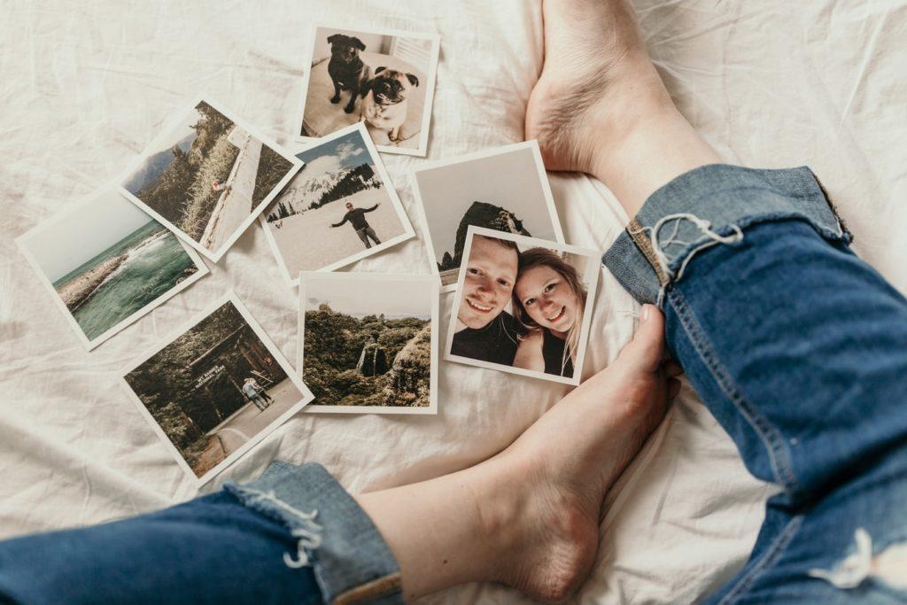 Faire le tri dans ses objets sentimentaux photos, souvenirs, maison familiale