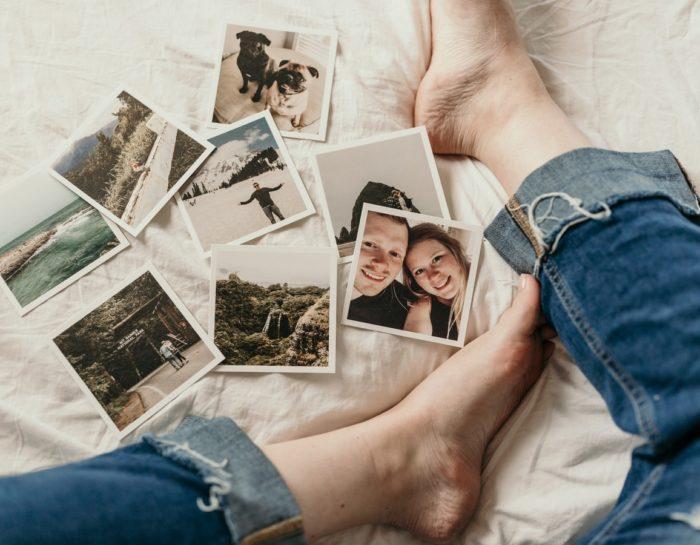 Comment faire le tri dans ses objets sentimentaux : photos, souvenirs, maison familiale